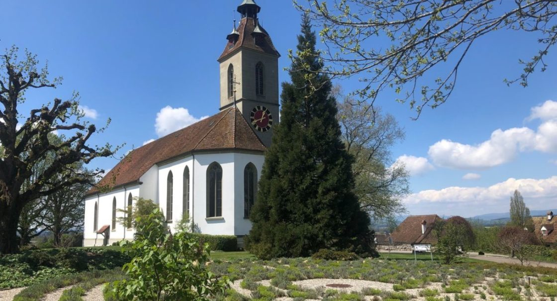 Kirche Labyrinth Frühling sm