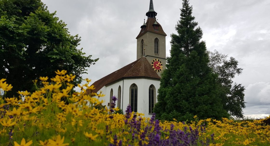 Labyrinth mit Kirche Sommer gb
