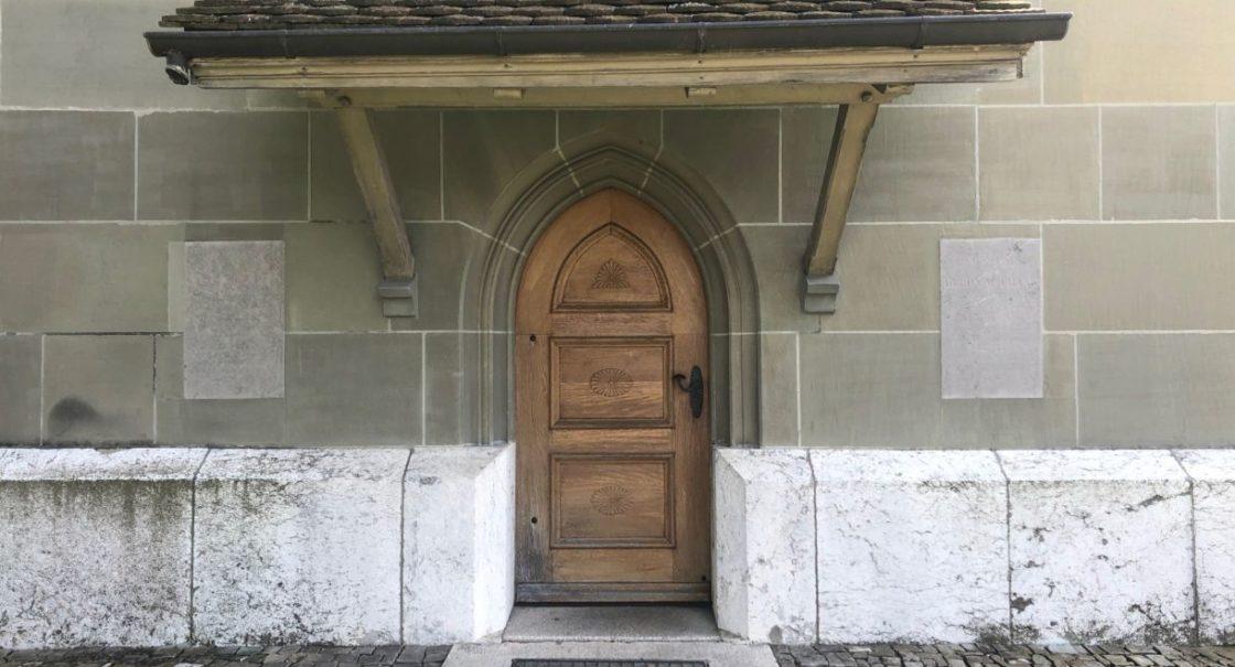 Seitentüre Kirche sm